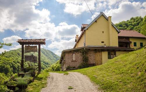Mountain hut Cerinski vir